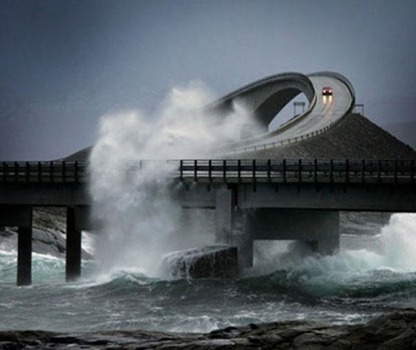atlantic ocean road roaring