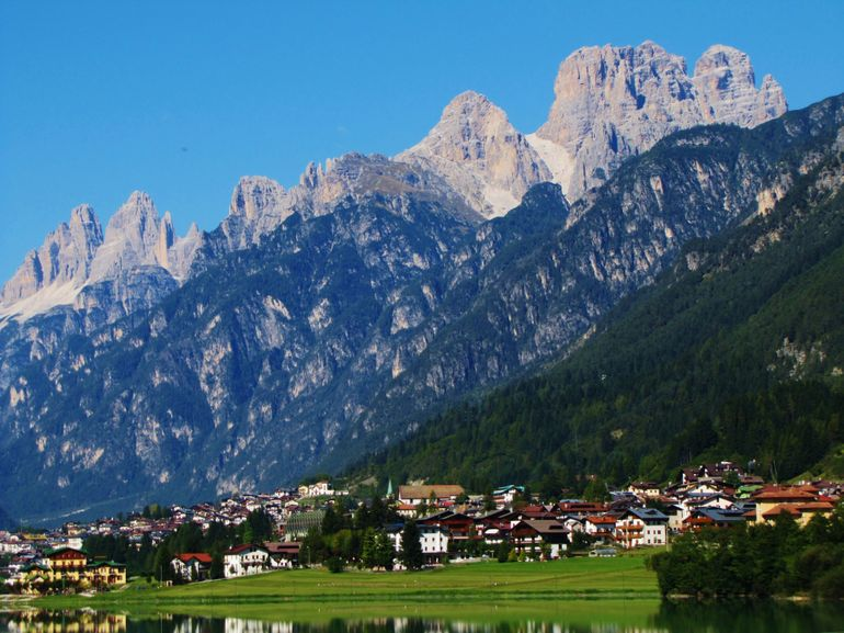 Dolomites italy point of no 23 for Where are the dolomites located in italy